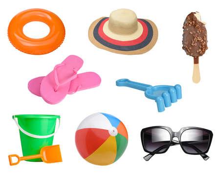 Collectie zomer items geïsoleerd op een witte achtergrond