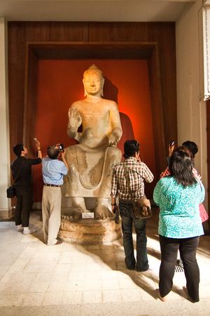 Museum visitors Editorial