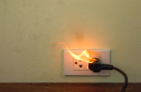 On fire electric wire plug Receptacle wall partition,Electric short circuit failure resulting in electricity wire burnt