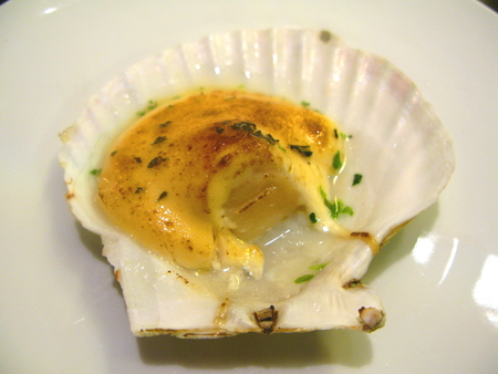 petoncle: Baked Scallop with Cheese