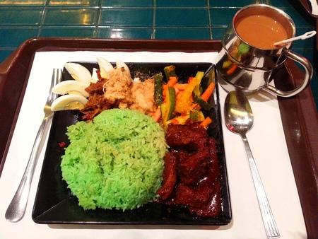 albumin: Fragrant Rice in Coconut Milk Served with Milk Tea
