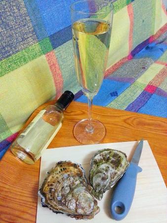 chardonnay: Raw Oysters and Chardonnay Stock Photo