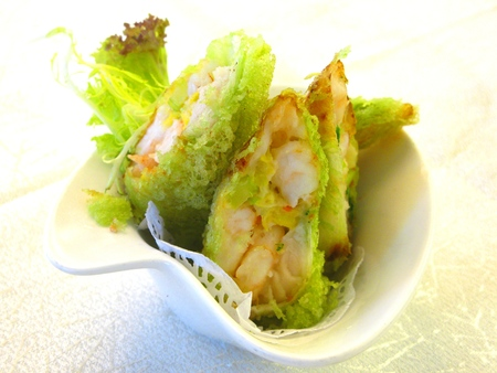 fish fillet: Spring Rolls Stuffed with Fish Fillet