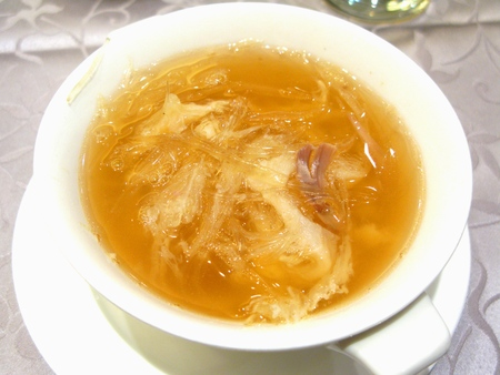 superior: Large Shark Fin Superior Chicken Soup