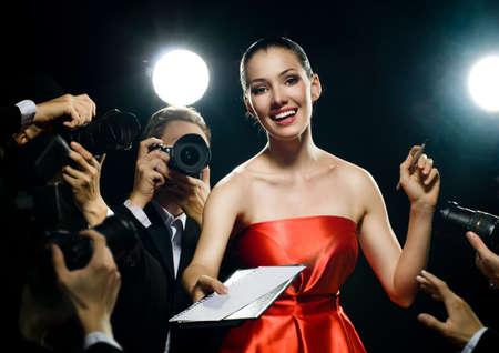 Fotógrafos está tomando una imagen de una estrella de cine Foto de archivo