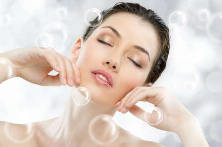 tratamientos corporales: Retrato de una hermosa ni�a saludable