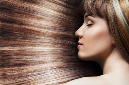 Schönheit Frau mit langen Haaren Standard-Bild - 20105010