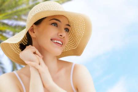 the girl is happy summer sun Stock Photo - 27862511