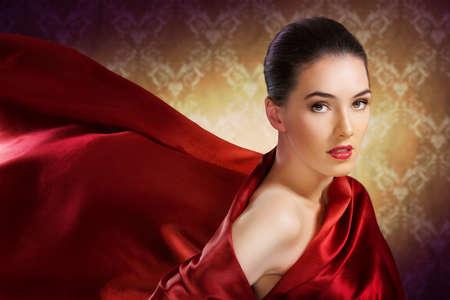 빨간색 스카프와 아름 다운 여자