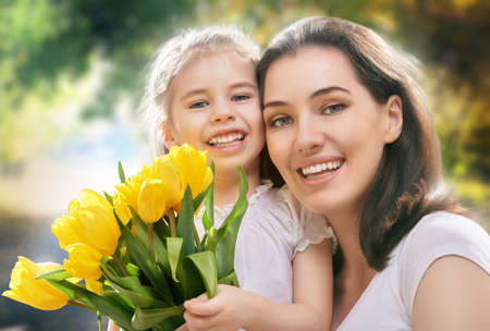 mutter und kind: gl�ckliche Mutter und Kind zusammen