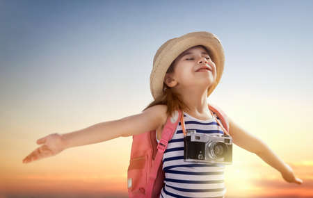 adventure holiday: the little girl wants to travel