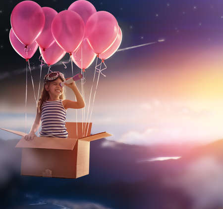 sen: Dítě se připravit na cestu Reklamní fotografie