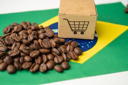 Coffee beans on Brazil flag; import export drink food concept. flag, import export drink food concept. 免版税图像