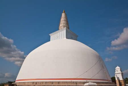 anuradhapura: Huge white stupa  Mirisavatiya Dagoba  in Anuradhapura, Sri Lanka