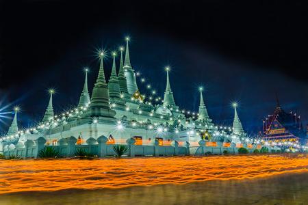 rite: Buddhism light waving rite