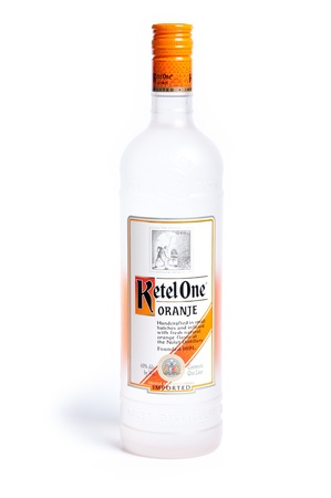 Reno, Verenigde Staten,: December, 2e 2011: Fles van internationale drank: Ketel One Oranje Redactioneel