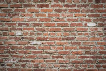 paredes de ladrillos: Tiro horizontal de un viejo brickwall rojo para ser utilizado como fondo o textura