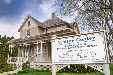 ronald reagan: APRIL 23, 2009 - DIXON, IL: Boyhood home of President Ronald Wilson Reagan in Dixon, Illinois. Editorial