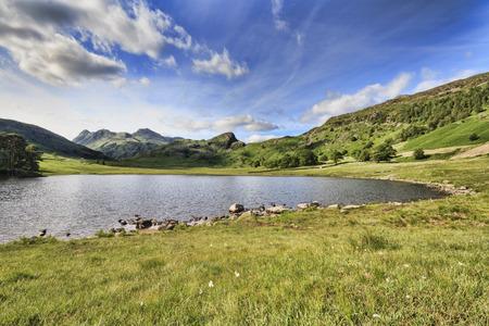blea tarn in the lake district cumbria UK Standard-Bild