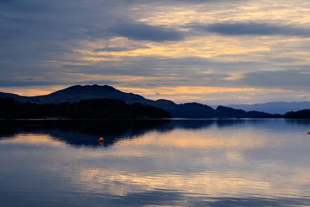 bonnie: Calm and tranquil sunrise, Loch Lomond, Scotland