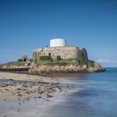 Fort Grey, auf Rocquaine Bay, Guernsey, Kanalinseln. Standard-Bild