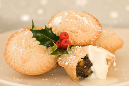 mince: Plate of Christmas mince pies with cream