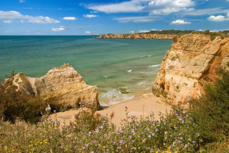 praia: Algarve coastal view near the luxury Praia do Vau resort