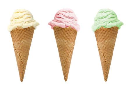 gofres: Tres sabores de helado de conos aislado sobre fondo blanco  Foto de archivo