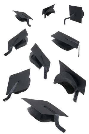 gorros de graduacion: La selecci�n de las tapas de graduaci�n en un fondo blanco