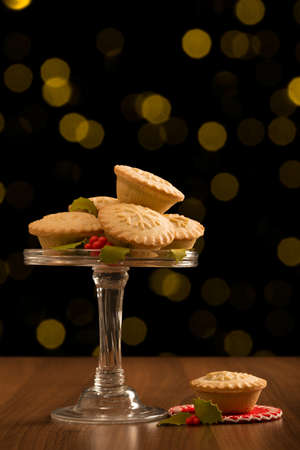 minced pie: Christmas mince pies with festive background Stock Photo