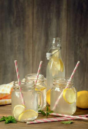 limonada: Bebidas de limón caseros con aire vintage