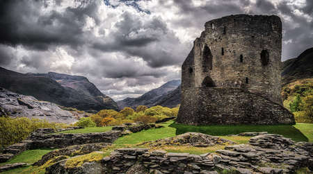 Dolbadarn Castle in Llanberis Snowdonia built in the 13th Century Banque d'images