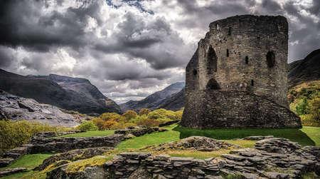 welsh: Dolbadarn Castle in Llanberis Snowdonia built in the 13th Century Stock Photo