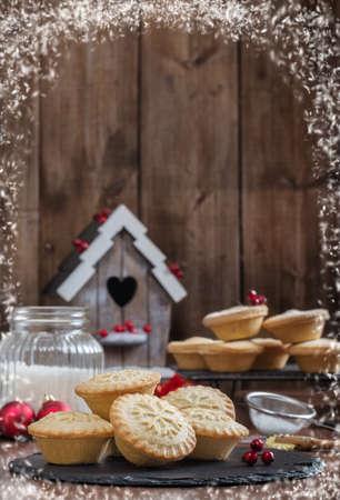 carne picada: pasteles de carne festiva de Navidad