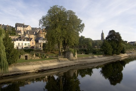 Europe, France, Loire Valley, Sarthe 72, Le Mans, River Sarthe, buildings of the old town line the river in evening sun