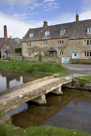 England, Gloucestershire, Cotswolds, Lower Slaughter, River Eye, Cotswold Cottages