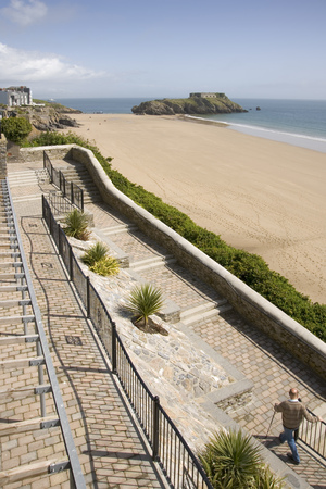 UK, Wales, Pembrokeshire, Tenby, seafront and beach view