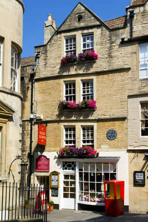 Bath, UK - 3rd July 2011: Sally Lunns tea shop in summer sunshine in the City of Bath, Somerset, UK. Sally Lunns is one of the oldest houses in Bath and home of the original Bath Bun. Bath is a UNESCO World Heritage Site famous for it's architecture. 報道画像