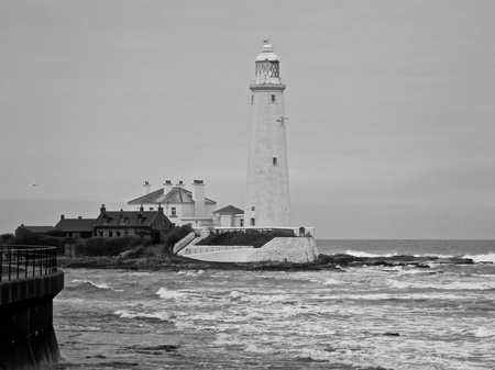 Black and white image of St Marys Lighthouse Stock Photo - 10894378