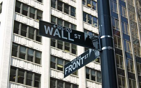 A Wall Street sign in the financial disctrict in New York City Stockfoto