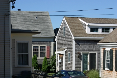 cape cod style: Verschillende traditionele Cape Cod huisjes in Provincetown, Massachusetts