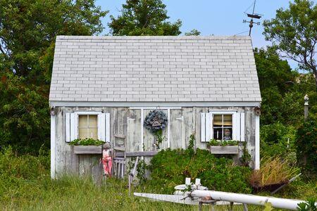 cape cod home: A rundown shack in Cape Cod, Massachusetts Stock Photo