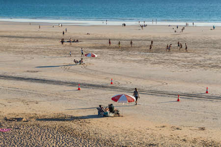 People enjoying Cable Beach Broome in May Archivio Fotografico - 134833606
