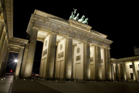 place of interest: A view of the Brandenburg Gate at night in Berlin. Stock Photo