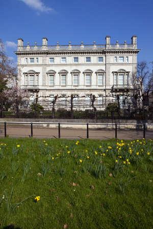 st james s: Bridgewater House in London
