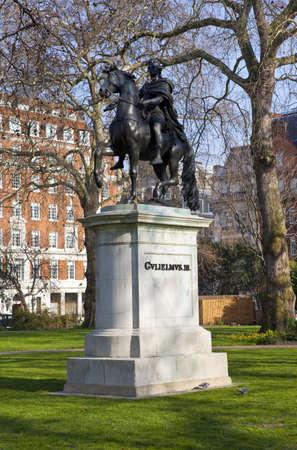 st james s: William III Statue in London