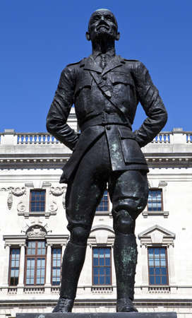 Jan Christian Smuts statue in London Stock Photo - 15169042