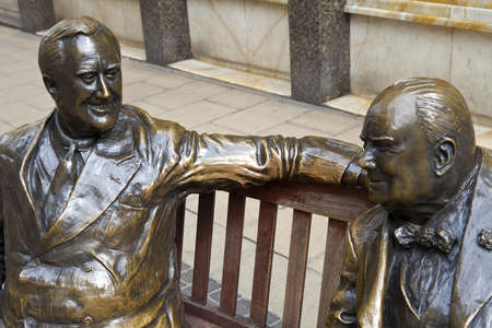 winston: Statues of allies Franklin D. Roosevelt and Winston Churchill talking to each other in Londons Mayfair.