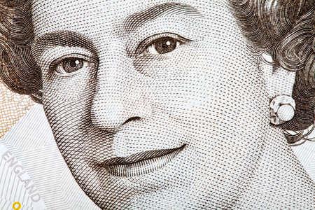 sterlina: L'immagine Queens su una banconota inglese.