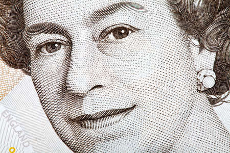 queen elizabeth: The Queens picture on an English Banknote.